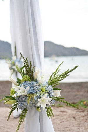Beach-Wedding-Ceremony-Arbor-Decor