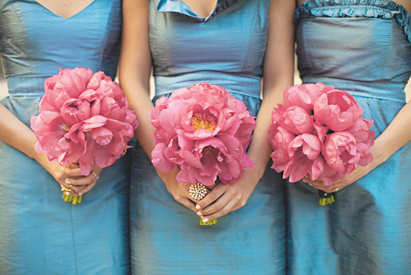 Blue-Bridesmaids-Dresses-Pink-Bouquets