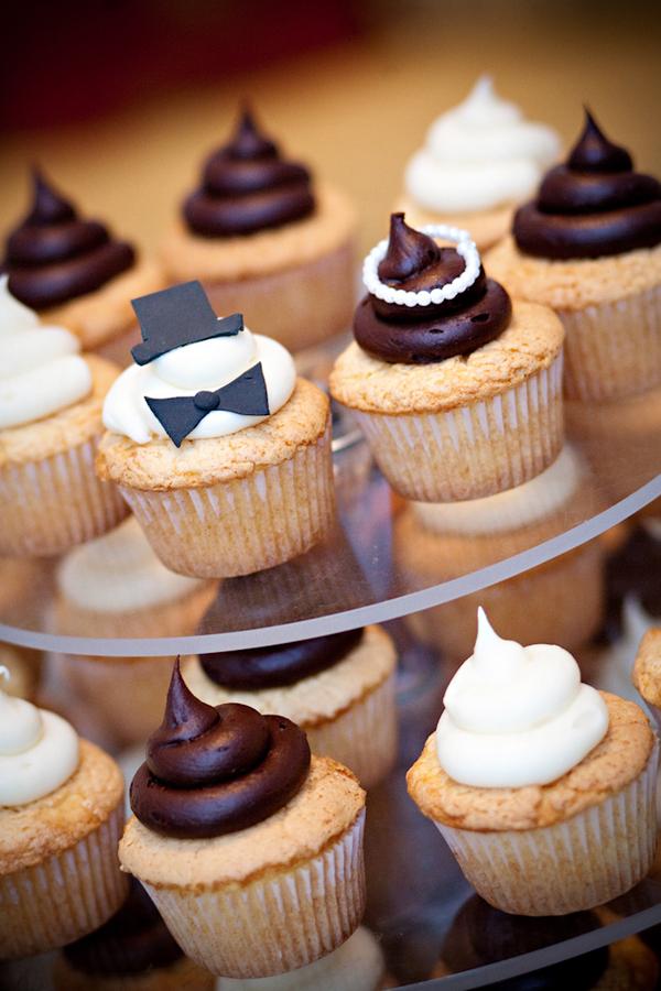 Bride-Groom-Cupcakes