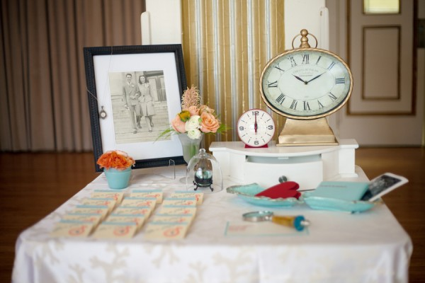 Clock Time Escort Card Table