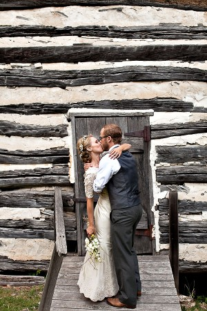 Earthy-Rustic-St-Louis-Wedding-by-Amelia-Strauss-Photography-11