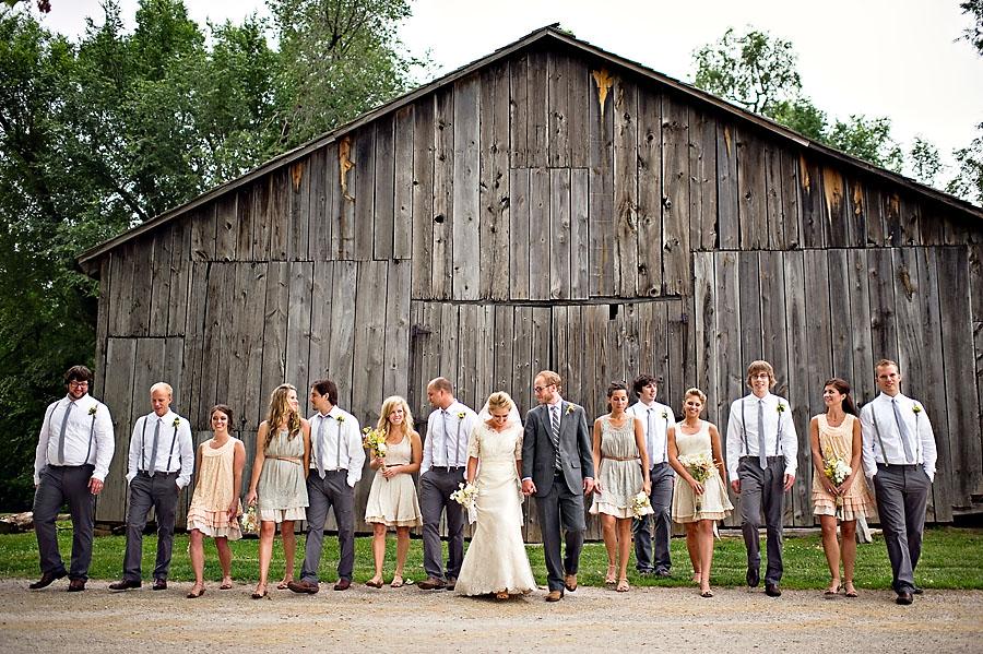 diy barn wedding from amelia strauss photography