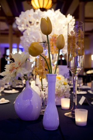 Modern-Yellow-White-Centerpieces