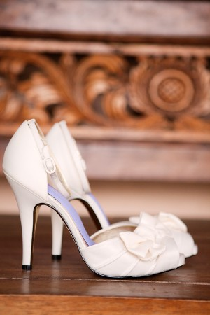 White-Bow-Shoes