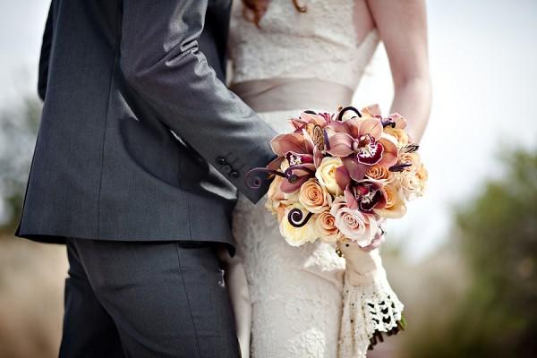 Antique-Autumn-Shades-Wedding-Bouquet