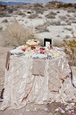 Natural-Desert-Glam-Tablescape