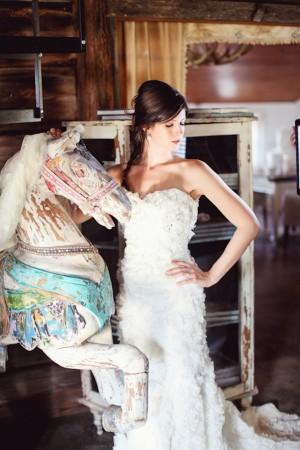 Shabby-Chic-Vintage-Bridal-Shoot-by-Christina-Carroll-19