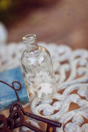Shabby-Chic-Vintage-Bridal-Shoot-by-Christina-Carroll-6
