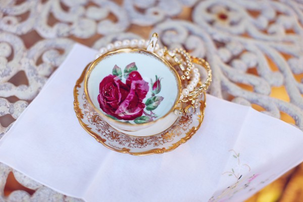 Shabby-Chic-Vintage-Bridal-Shoot-by-Christina-Carroll-8
