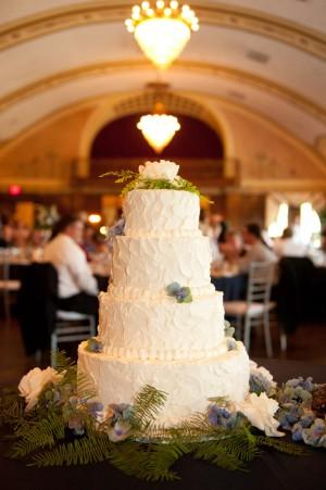 Whtie-Buttercream-Wedding-Cake