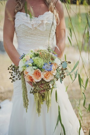 15-Rustic-Rose-Berry-Thistle-Bouquet
