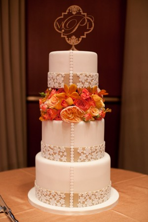 Elegant-Orange-White-Wedding-Cake-1