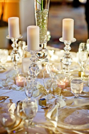 Gold-White-Candle-Tablescape