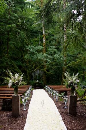 Rustic-Woodsy-Wedding-Ceremony
