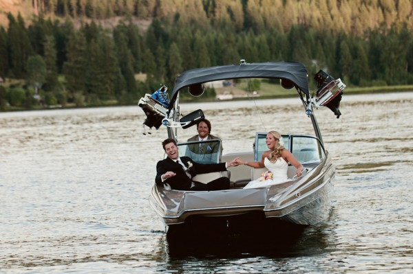 Speedboat-Wedding-Entrance