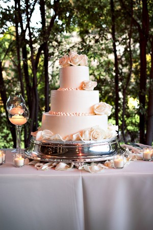 Traditional-Blush-Wedding-Cake