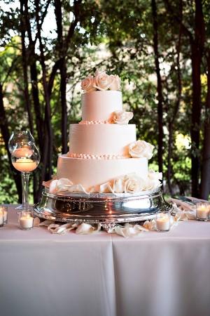 Traditional-Blush-Wedding-Cake