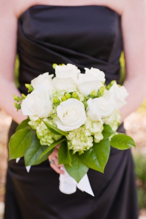 All-White-Bridesmaids-Bouquet