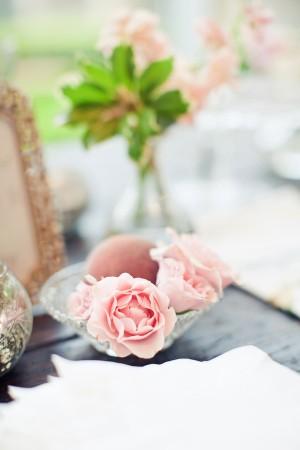 Blush-and-Peach-Centerpiece