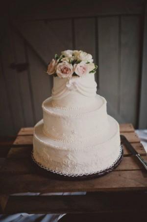 Classic-Simple-Elegant-White-Wedding-Cake