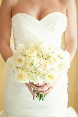 Classic-White-Bouquet