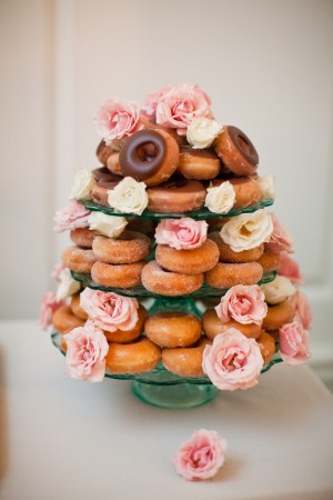 Doughnut-Wedding-Cake