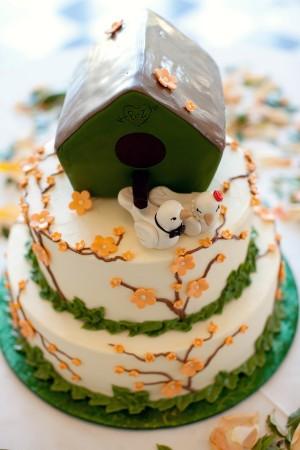 Garden-Bird-House-Wedding-Cake