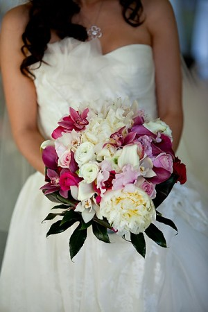 Pretty-Pink-White-Peony-Ranunculus-Bouquet