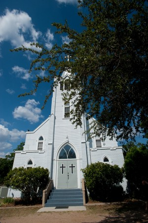 Quaint-Lutheran-Chapel-Wedding-Ceremony