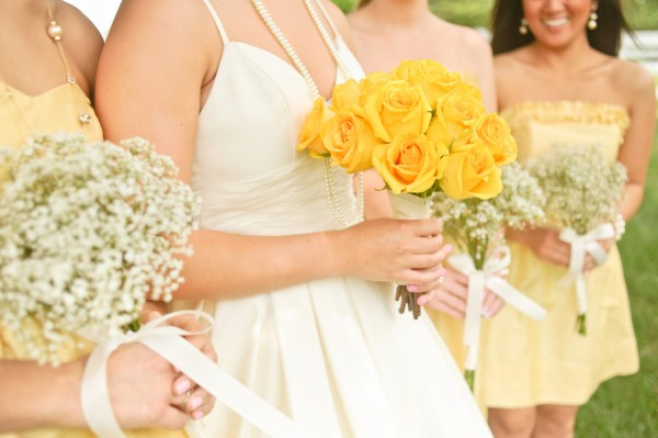 Rose-and-Babys-Breath-Bouquets