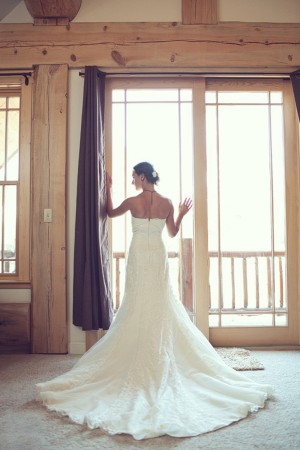 Woodsy-Hideout-Wedding-by-Julia-Wade-Photography-1