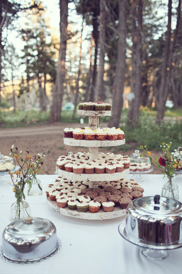 Woodsy-Rustic-Wedding-Cupcakes