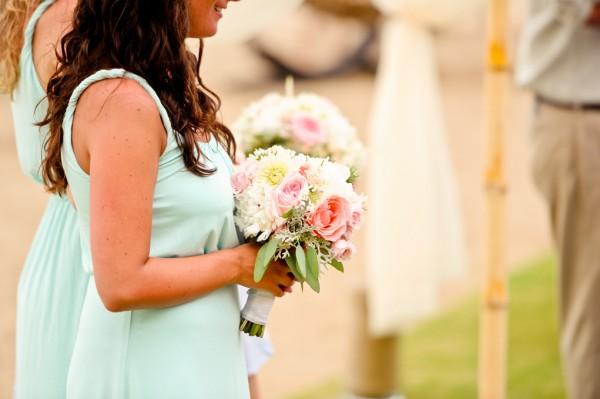 Aqua-Bridesmaids-Peach-Bouquets