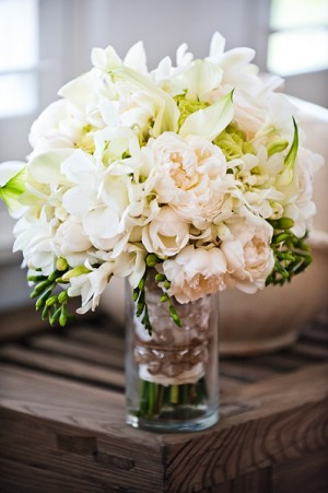 Blush-White-and-Green-Bouquet
