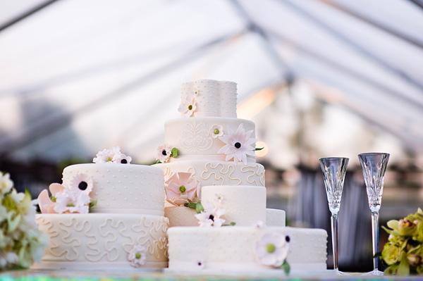 Blush-and-Pink-Modern-Floral-Wedding-Cake