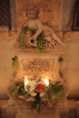 Candlelight-Floral-Sconce