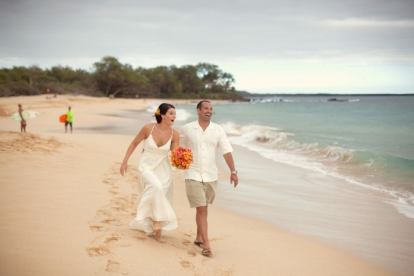 Colorful-Hawaiian-Destination-Wedding-by-Sara-Gray-Photography-2