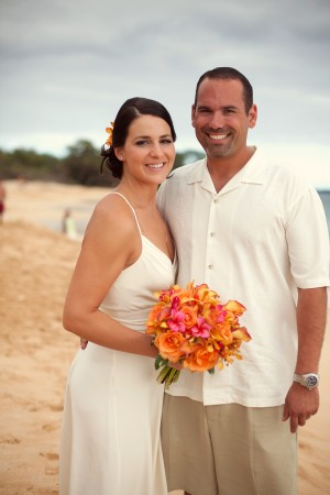 Colorful-Hawaiian-Destination-Wedding-by-Sara-Gray-Photography-3