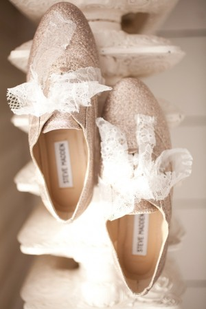 Gold-Glitter-Lace-Wedding-Shoes