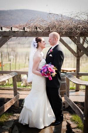 Hot-Pink-and-Blue-Virginia-Vineyard-Wedding-by-Kristen-Gardner-5