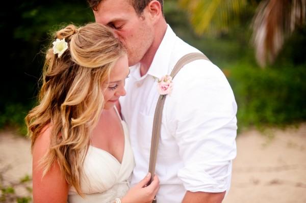 Laid-Back-Puerto-Rico-Beach-Wedding-by-Rebekah-Murray-3