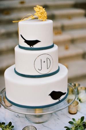 Modern-Bird-Theme-Cake