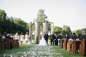 Outdoor-Wedding-Ceremony-Church-Pews