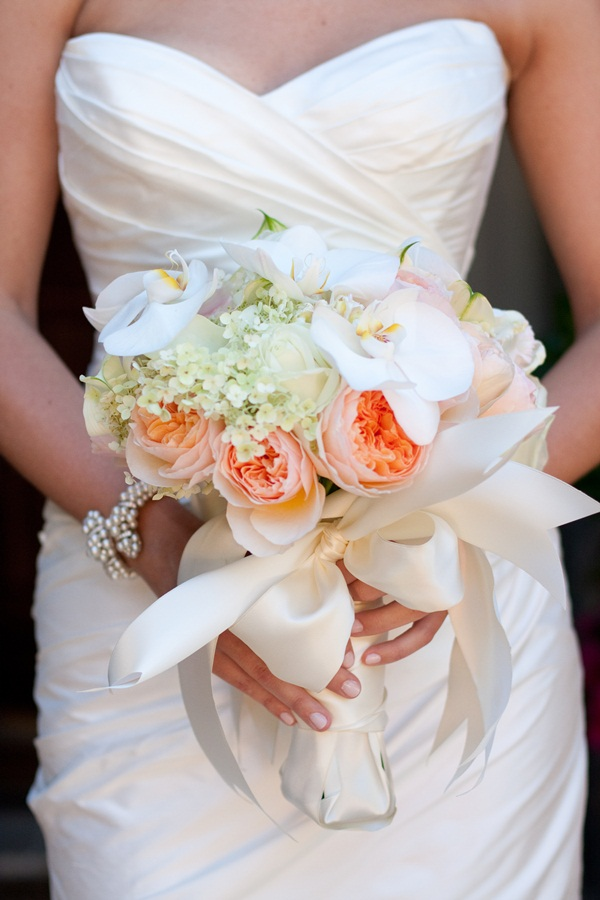 Peach-Rose-and-Orchid-Bouquet