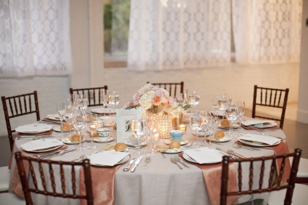 Pink-White-Vintage-Tabletop