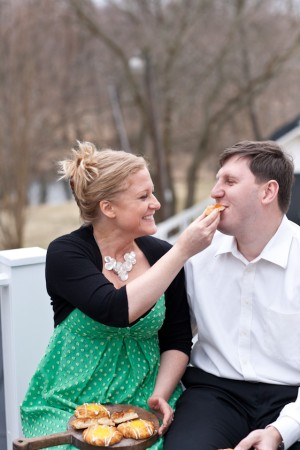 Warm-and-Homey-Lakefront-Engagement-Shoot-by-Vicki-Grafton-Photography-2