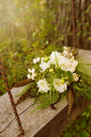 Bohemian-Bouquet-with-Feathers