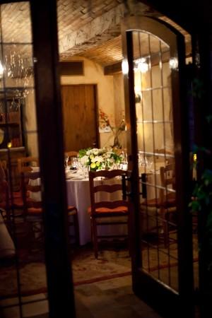 Brown-White-Elegant-Ranch-Wedding-Reception