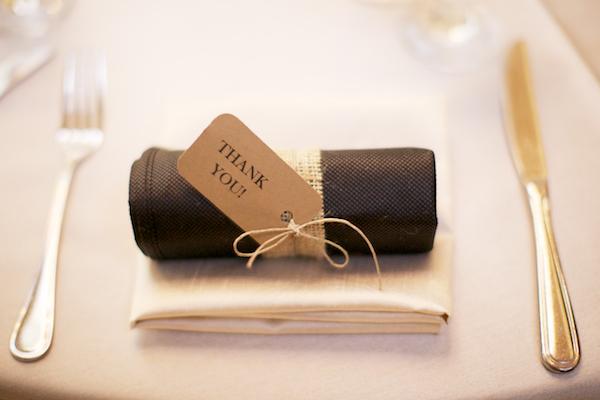 Burlap-Wrapped-Wedding-Favor