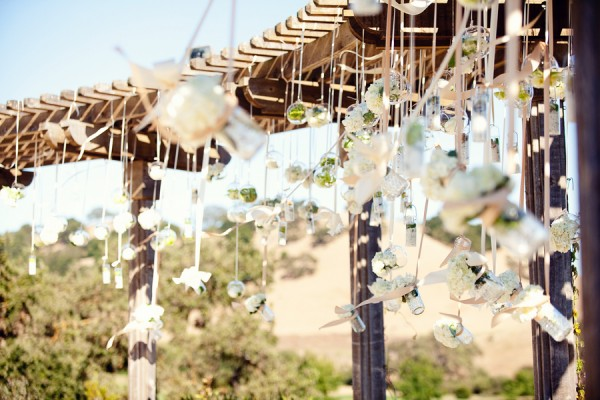 Hanging-Flowers-Wedding-Ceremony-Altar-Flowers